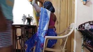 महिला दर्जी ने दुल्हन को उसे चोदने का चलन लाने के लिए शादी की