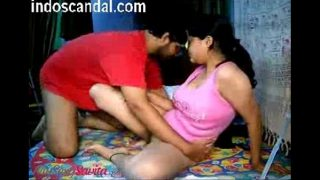 Bibi ki hot saheli se hardcore sahbaas ka Indian sex clip