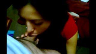Indian amateur girlfriend handles a big cock 9 min